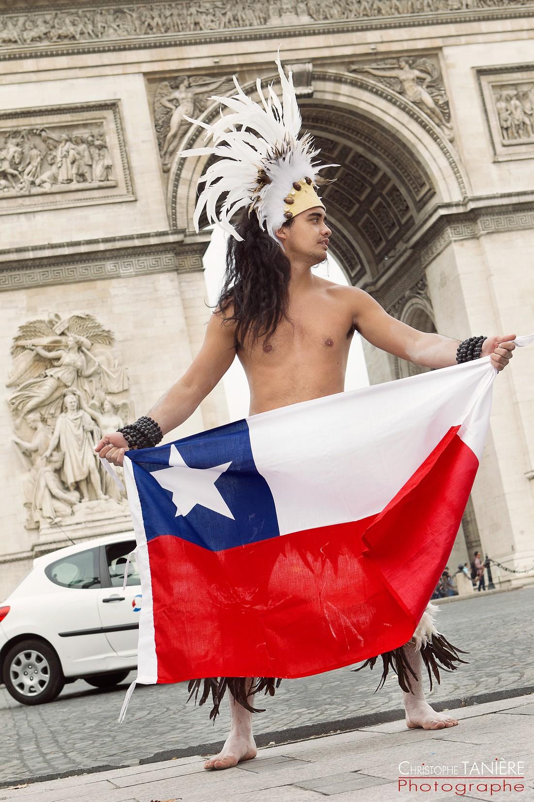 Chile-Rapa Nui-Paris