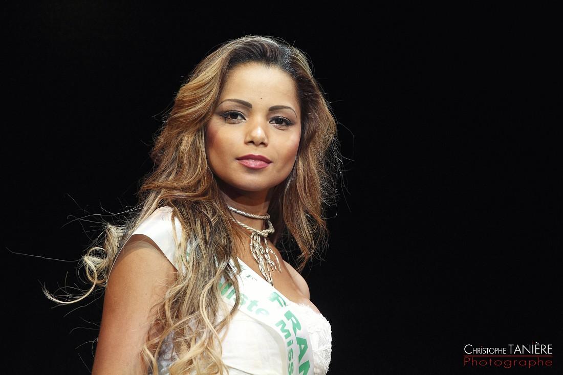 Miss-Brésil-France-Francinara Souza Campos
