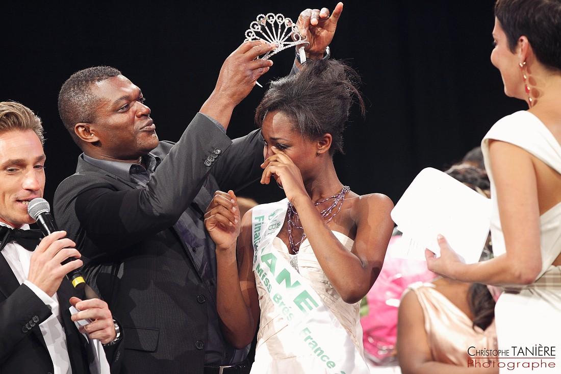 Miss-Brésil-France-couronne