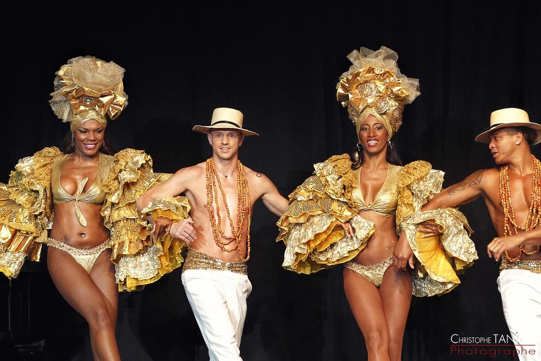 troupe bresiliennes-danseurs-Miss Bresil France 2013