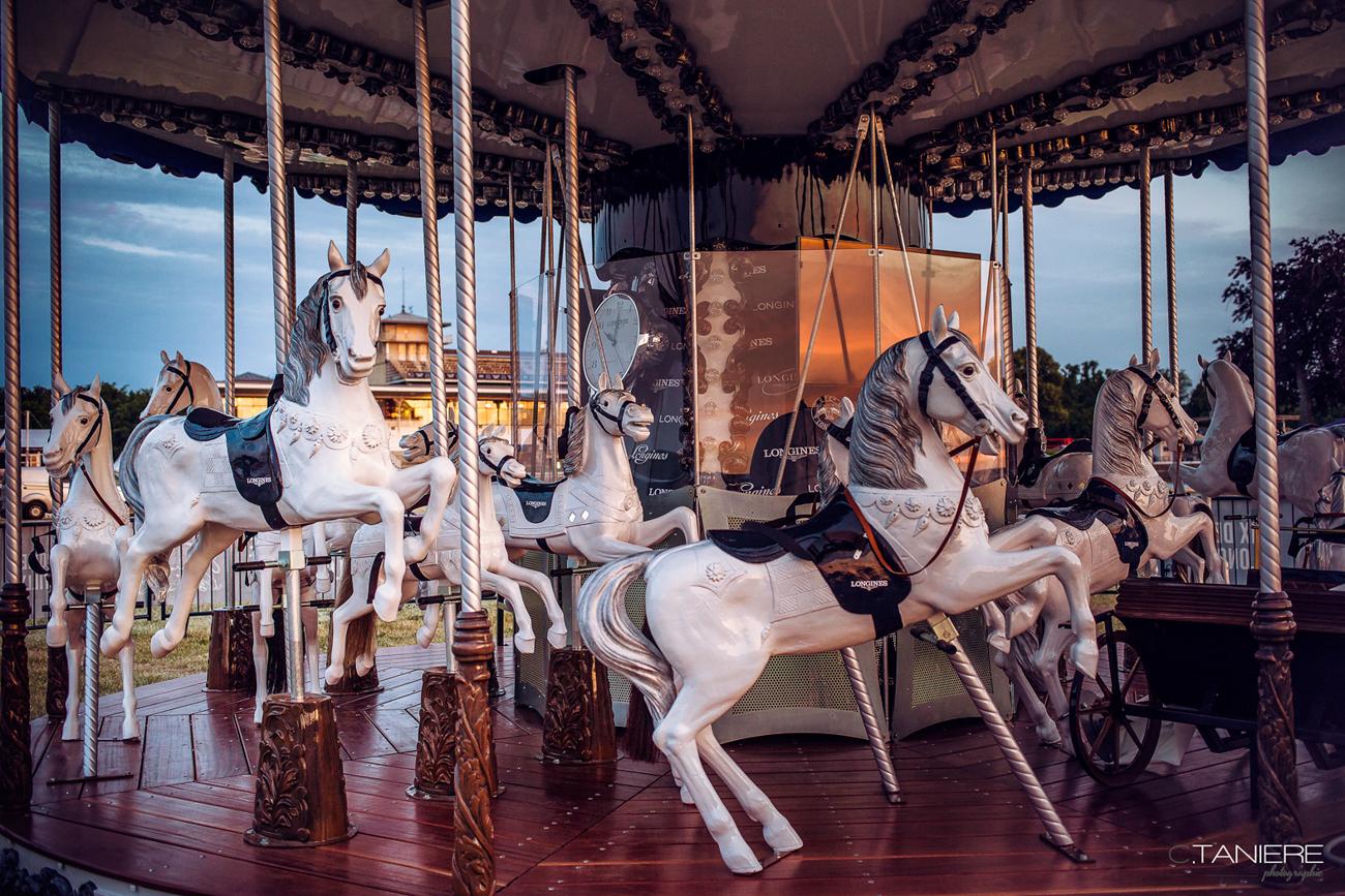 13-chevaux bois-manege Longines