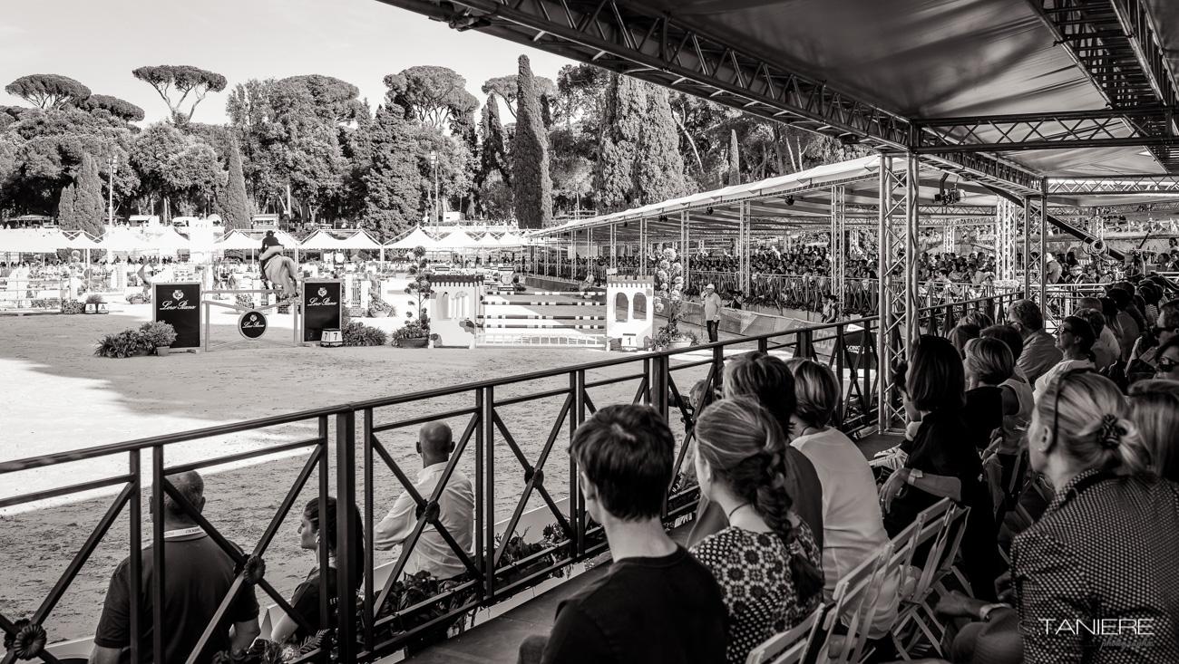 atmosphere-Piazza Di siena