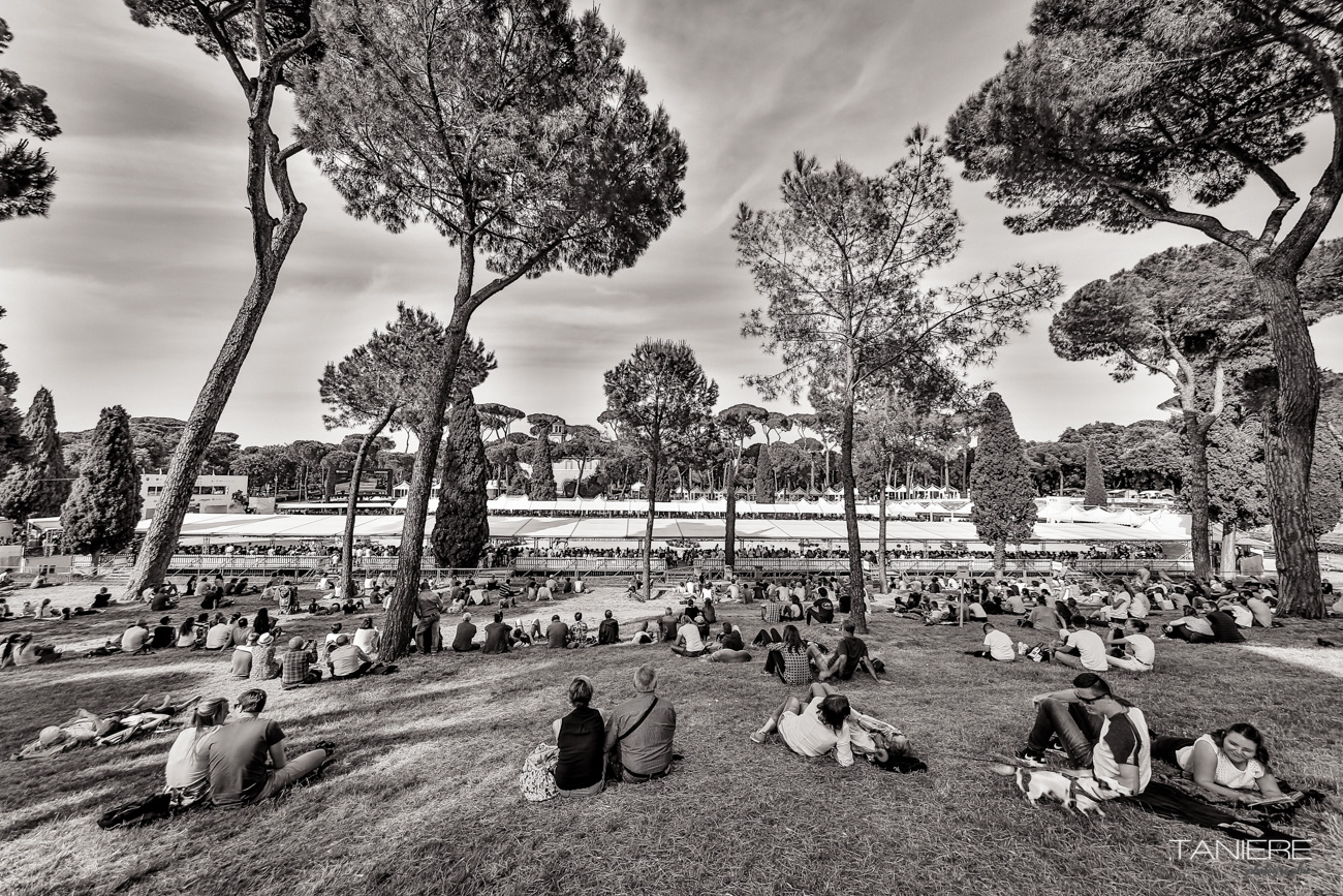 fans-watching-Rome-CSIO